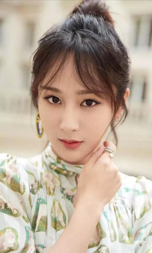 Forbes công bố 100 nghệ sĩ Cbiz nổi tiếng nhất: Dương Mịch - Angela Baby chịu thua Ảnh hậu 9X, sao nam áp đảo loạt nữ thần - Hình 17