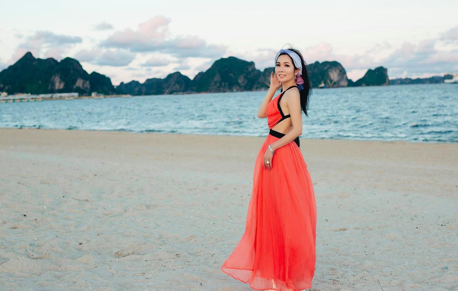 Người đẹp sở hữu vòng eo 58 cm khoe lưng trần gợi cảm trên bờ biển - Hình 8