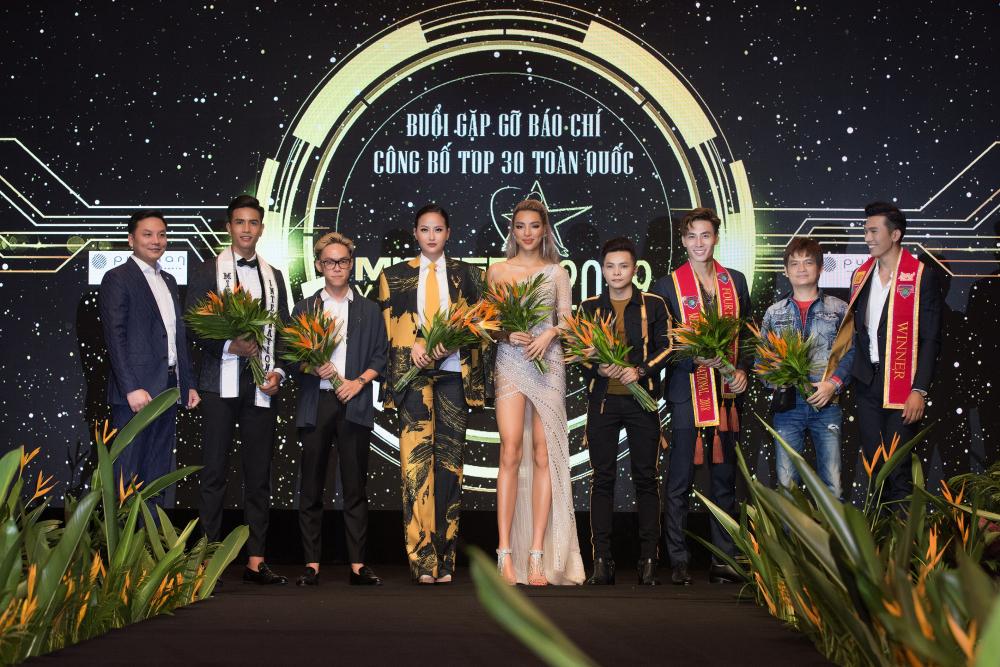 Hoa hậu Khánh Ngân diện vest, khoe vẻ đẹp cá tính - Hình 2