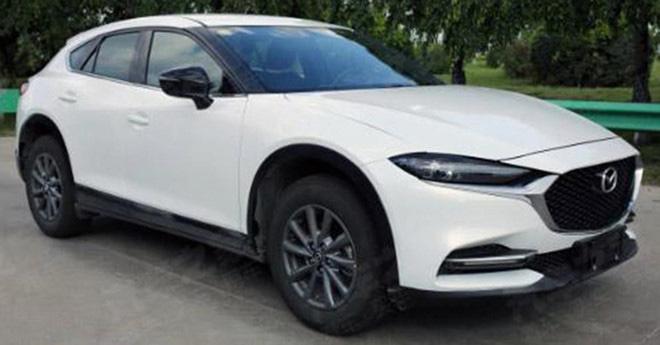 Rò rỉ hình ảnh của crossover cỡ nhỏ Mazda CX-4 facelift không ngụy trang - Hình 1