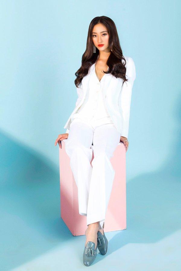 Bằng chứng cho thấy Hoa hậu Lương Thuỳ Linh đích thị là thiên thần áo trắng mới của Vbiz - Hình 2