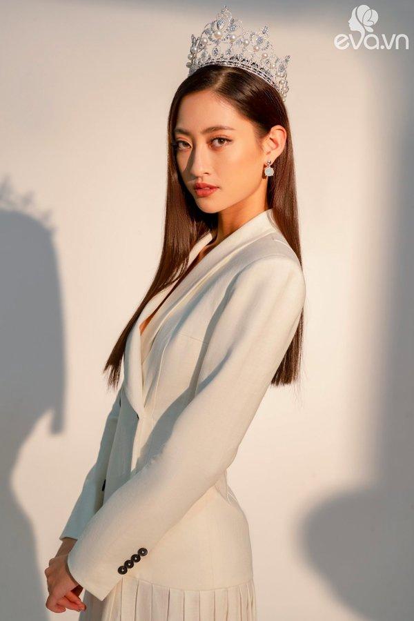 Bằng chứng cho thấy Hoa hậu Lương Thuỳ Linh đích thị là thiên thần áo trắng mới của Vbiz - Hình 4
