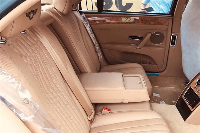 Cận cảnh Bentley Flying Spur V8 hơn 16 tỷ tại Việt Nam - Hình 6