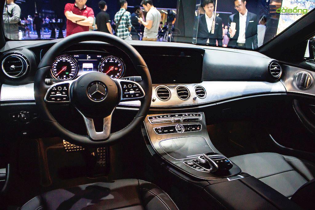Chênh nhau 187 triệu, 2 bản Mercedes E 200 mới trình làng Việt Nam có gì khác nhau? - Hình 17