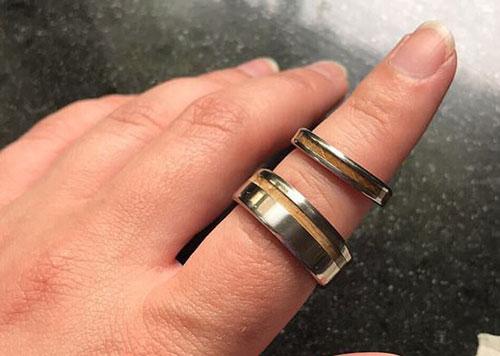 Cô dâu đăng đàn tố mẹ chồng tự ý mua nhẫn cưới cho con trai mà không thèm hỏi ý kiến, phản ứng của chú rể khiến ai cũng phải đồng tình - Hình 1