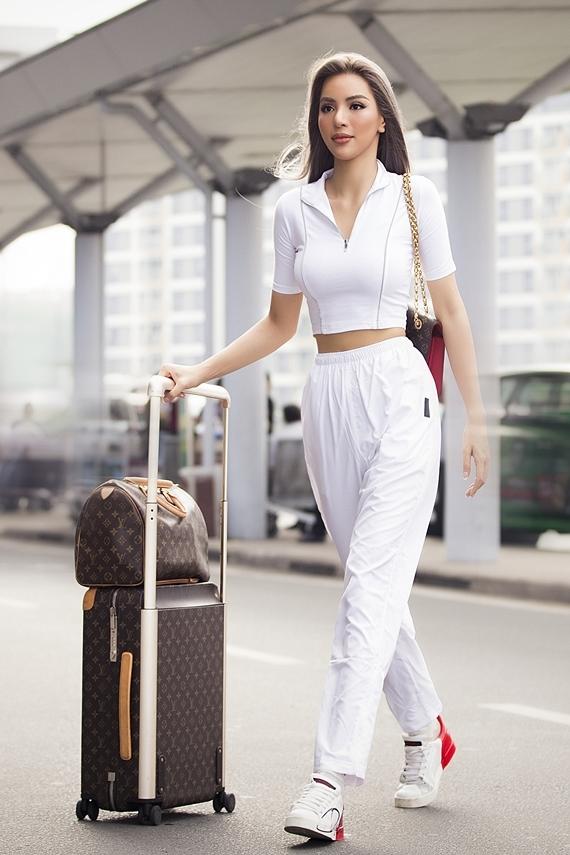 Khả Trang sang Hàn Quốc thi người mẫu - Hình 1