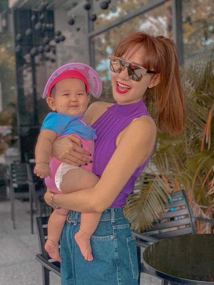 Khoe hình ảnh chăm cháu, Minh Hằng tiết lộ lý do vì sao hơn 30 tuổi vẫn không chịu lấy chồng sinh con - Hình 3