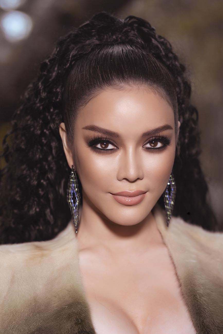 Lý Nhã Kỳ biến hoà thành nàng Kim Kardashian phiên bản Việt - Hình 4