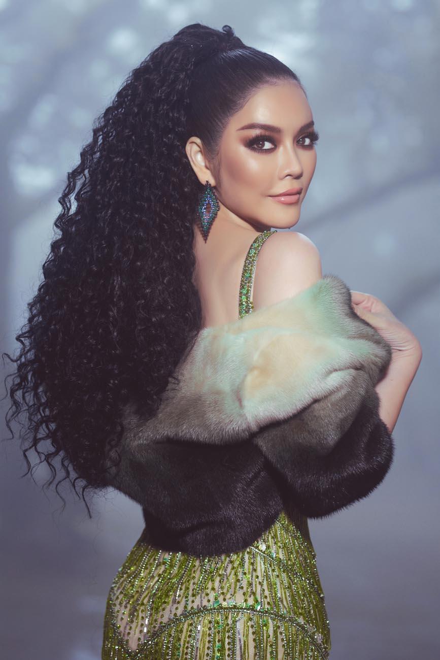 Lý Nhã Kỳ biến hoà thành nàng Kim Kardashian phiên bản Việt - Hình 2