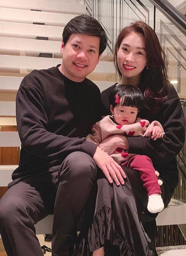 Những nhóc tỳ nhà sao Việt gây bão mạng xã hội, được yêu thích hơn cả bố mẹ - Hình 18