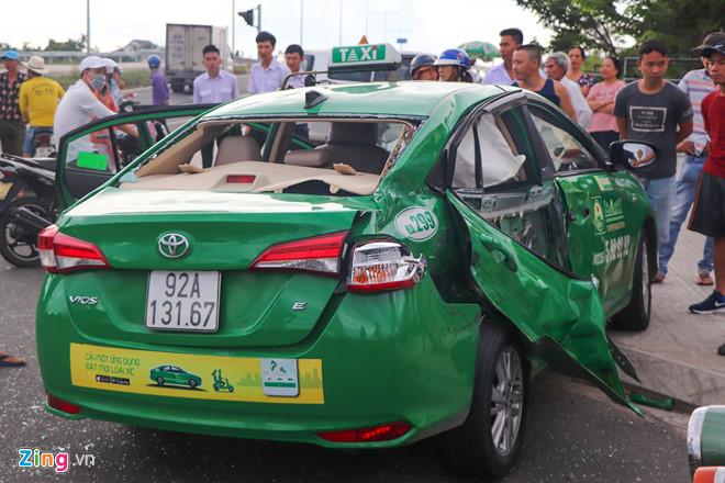 Ôtô tải tông taxi Mai Linh, một người tử vong - Hình 1