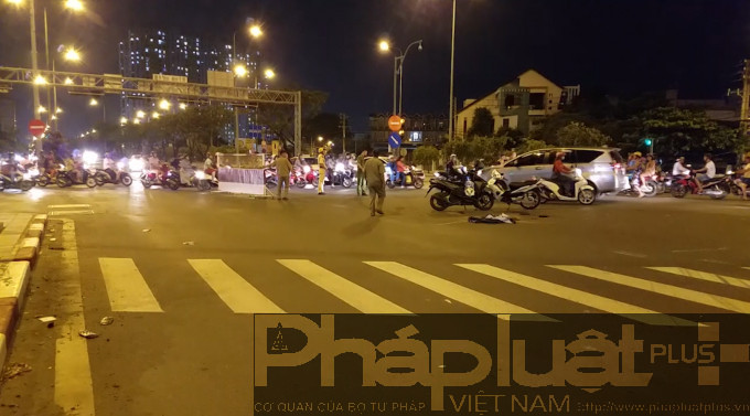 TP HCM: 2 người thương vong sau va chạm xe máy - Hình 1