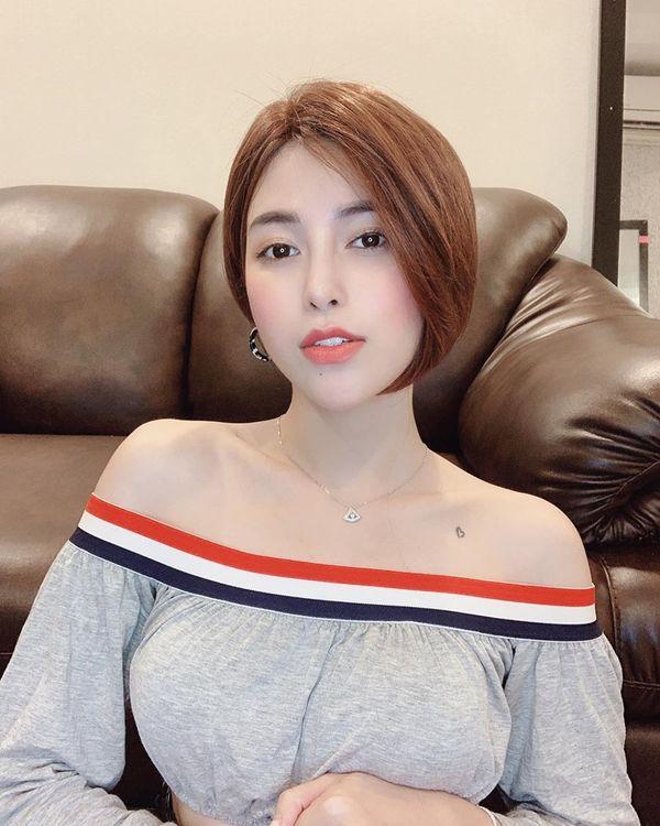 Trần Ngọc Ánh - Quán quân The Voice 2018 lột xác 100% khi cắt tóc ngắn cá tính - Hình 6