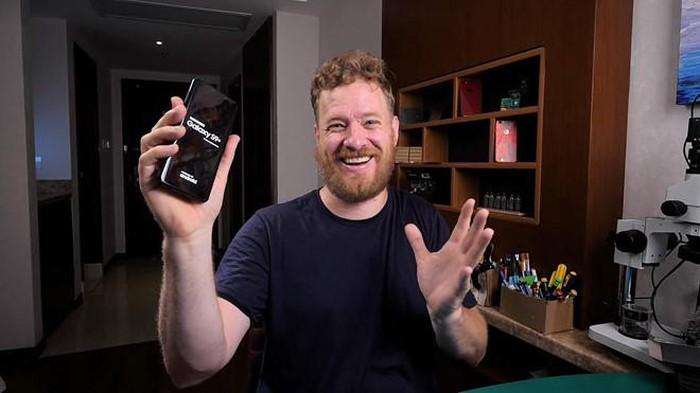 YouTuber tự ráp Galaxy S9 Plus từ linh kiện hàng chợ ở TQ giá 285 USD - Hình 1