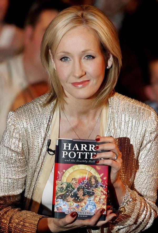 Ấn bản đầu tiên của bộ sách Harry Potter được đấu giá với con số cực sốc - Hình 5