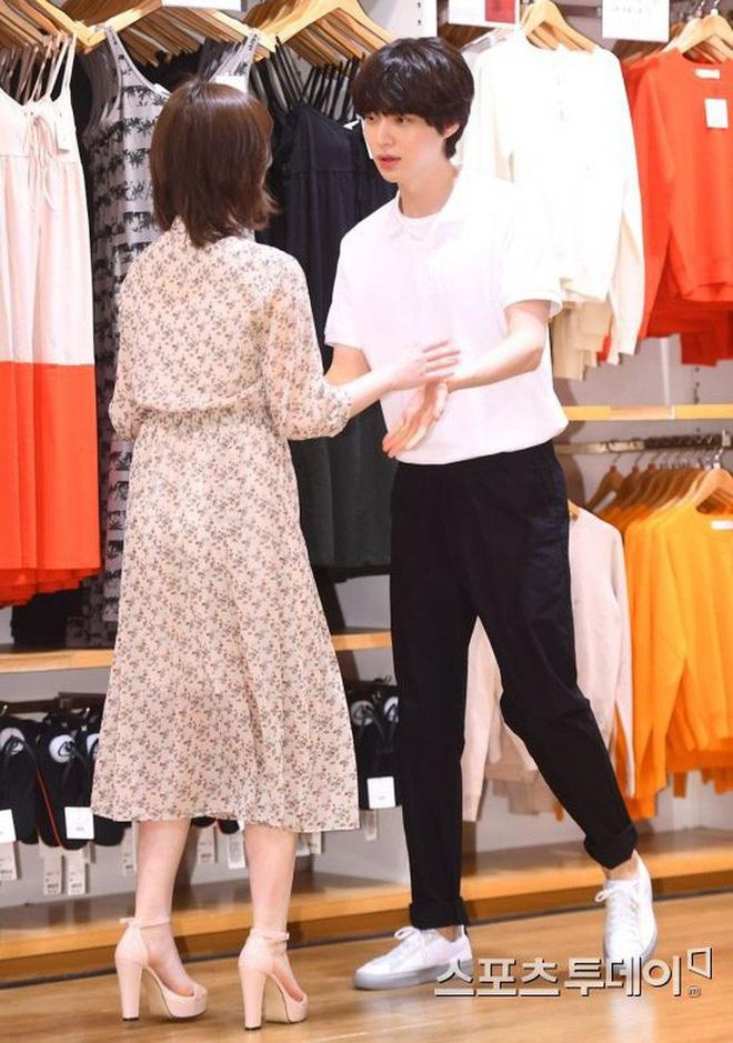 Hành trình từ gã si tình đến thánh cosplay cuồng vợ Ahn Jae Hyun: Ánh mắt mật ngọt hóa chê bai thô tục tựa khi nào! - Hình 9