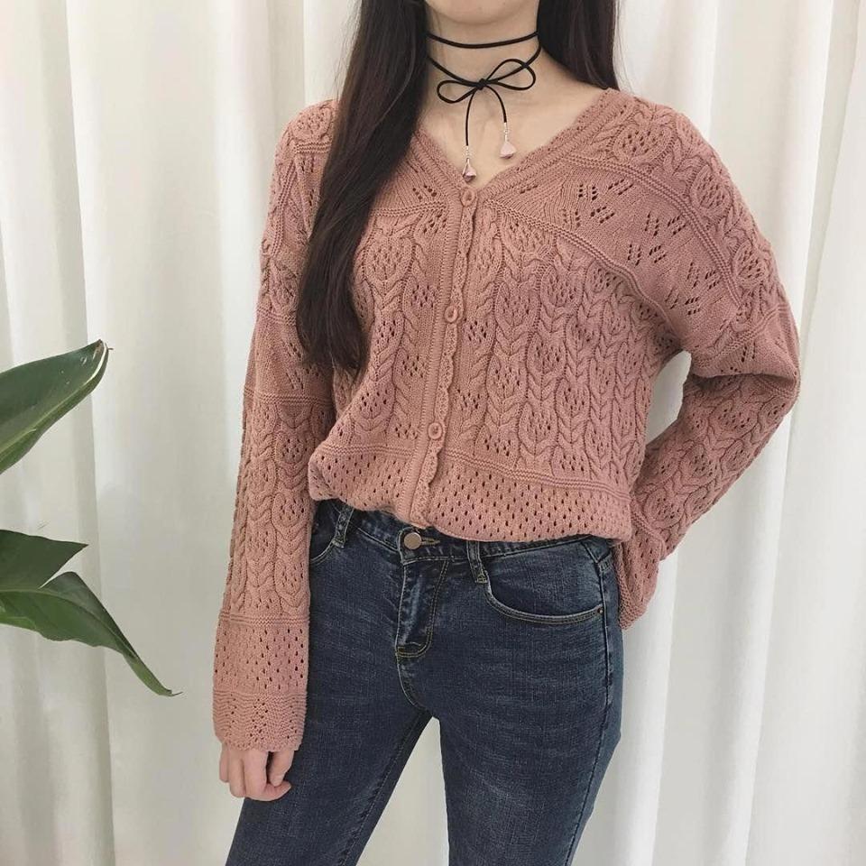Hoá nàng thơ với áo len hồng pastel mùa đông này - Hình 4