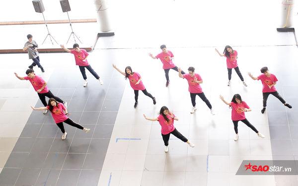 Học sinh Ams quẩy flashmob nhiệt tình đón năm học mới - Hình 2