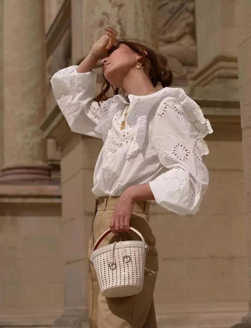 Mặc đẹp và sang không khó nếu bạn cứ diện 1 trong 4 mẫu áo sau với quần ống rộng - Hình 12