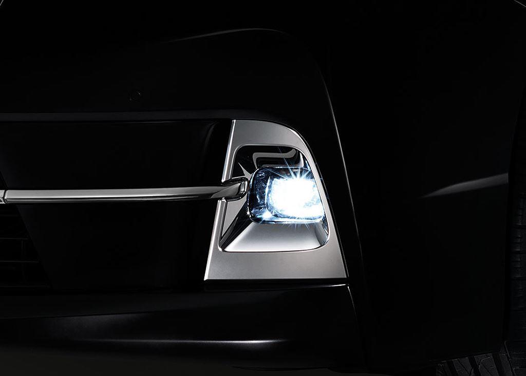 MPV Toyota MAJESTY hoàn toàn mới ra mắt, giá bán từ 1,28 tỷ đồng - Hình 9