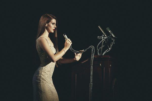 Những MV của Lana Del Rey: Nàng thơ buồn của nước Mỹ ngân nga những bản tình ca mùa hè - Hình 6