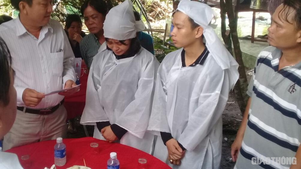 Tai nạn ở Tiền Giang: Ba người trong gia đình tử vong sau va chạm xe bồn - Hình 1