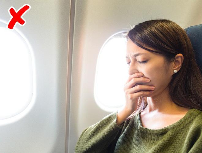 7 tips đơn giản để có một chuyến bay suôn sẻ chẳng mấy ai từng nói với bạn! - Hình 5
