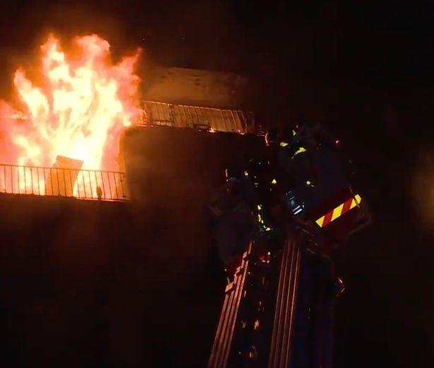 Bệnh viện ở Paris cháy rừng rực, nhiều người thương vong - Hình 2