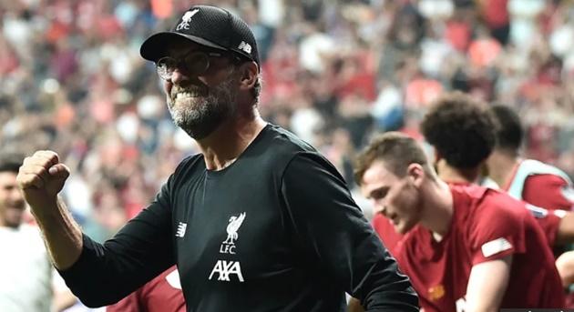 CHÍNH THỨC: Liverpool ký hợp đồng mới với đôi chân pha lê 35 triệu bảng - Hình 1