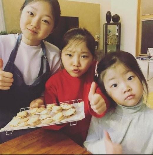 Dàn nhóc tỳ cực phẩm nhà sao Hàn: Nhan sắc xuất chúng thế này, idol và diễn viên tương lai đây chứ đâu? - Hình 17