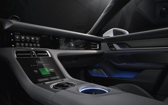 Hình ảnh nội thất xe điện Porsche Taycan sắp trình làng - Hình 3