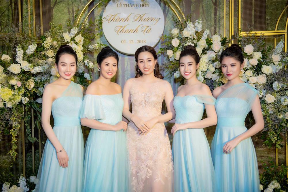 Hoa hậu Đỗ Mỹ Linh bị bóc mẽ gian lận chiều cao khi đứng giữa dàn mỹ nhân - Hình 11