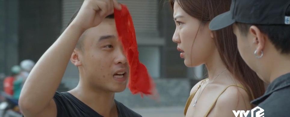 Hoa hồng trên ngực trái: Xuất hiện màn đánh ghen thay bạn thân một chín một mười với màn đánh ghen của Linh Về nhà đi con - Hình 10