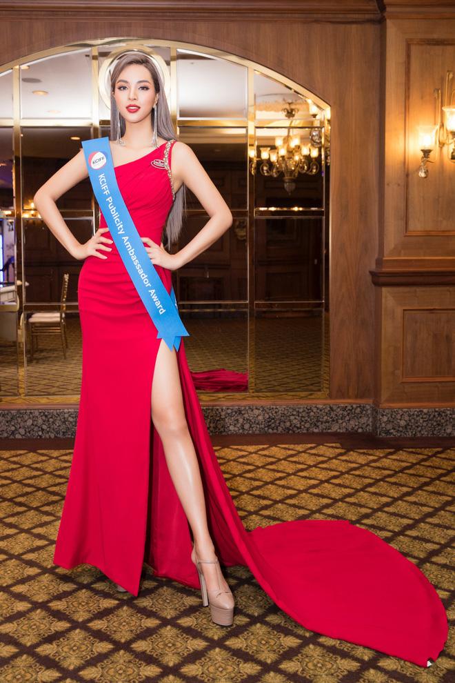 Khả Trang khoe sắc vóc chuẩn siêu mẫu tại Hàn, nhận được vinh dự mà nhiều mỹ nhân mơ ước - Hình 1