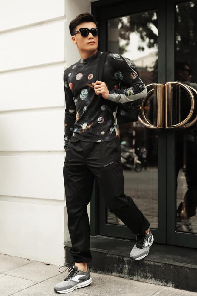 Làm KOL duyên như Bùi Tiến Dũng: đang hợp tác với adidas nhưng khoe ảnh đi Nike rồi xóa logo lem nhem - Hình 6