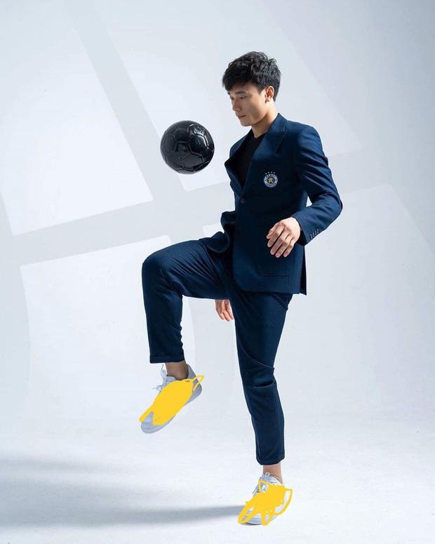Làm KOL duyên như Bùi Tiến Dũng: đang hợp tác với adidas nhưng khoe ảnh đi Nike rồi xóa logo lem nhem - Hình 10