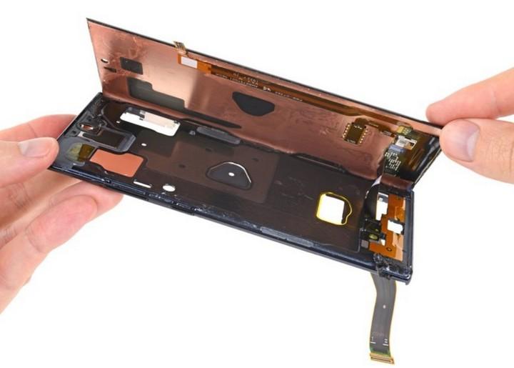 Mổ bụng Galaxy Note 10 plus 5G: chiếc Galaxy khó sửa nhất hiện nay, mạch lớp giống iPhone - Hình 16