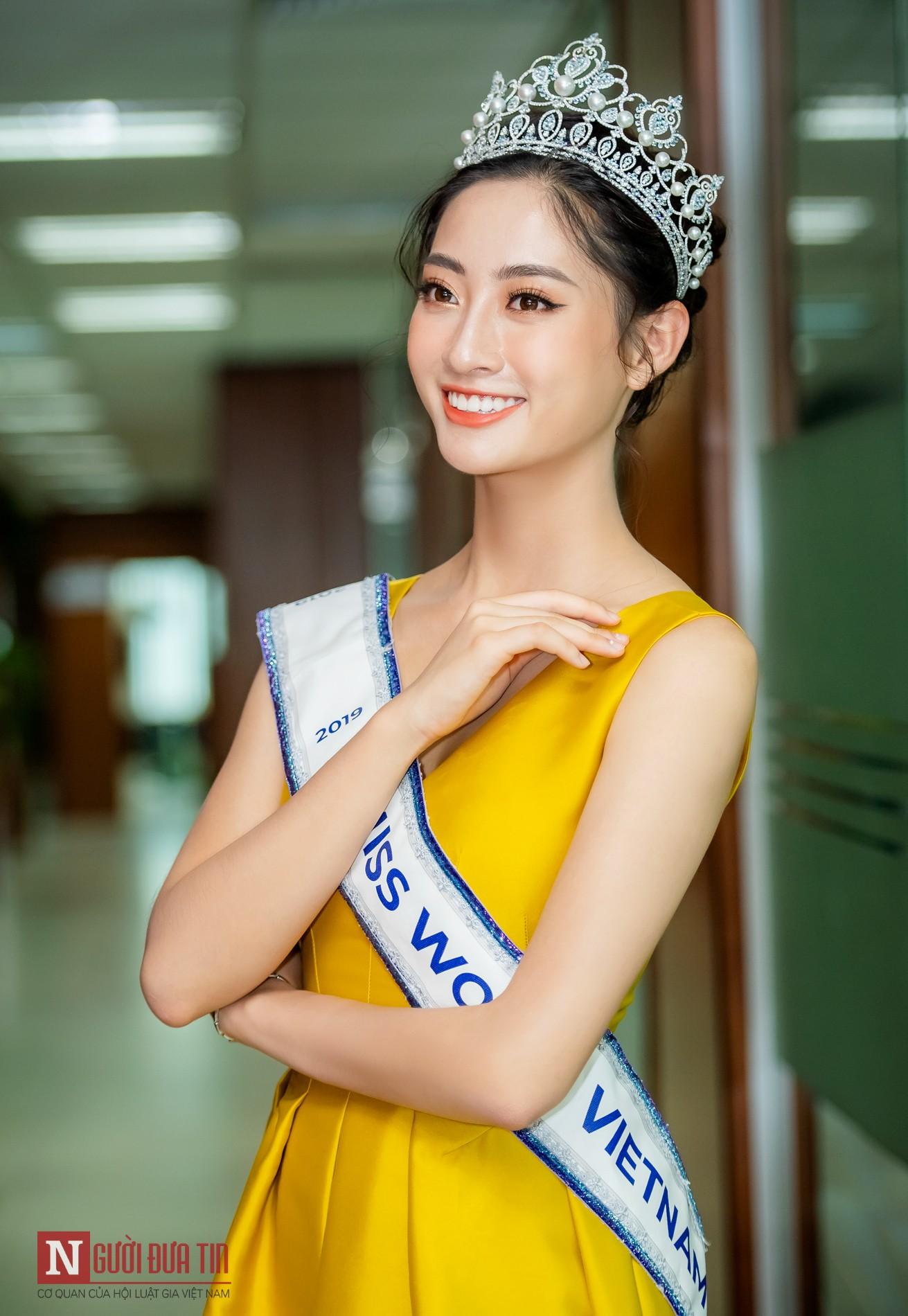 Ngỡ ngàng với nhan sắc Hoa hậu Lương Thùy Linh sau nửa tháng đăng quang - Hình 7