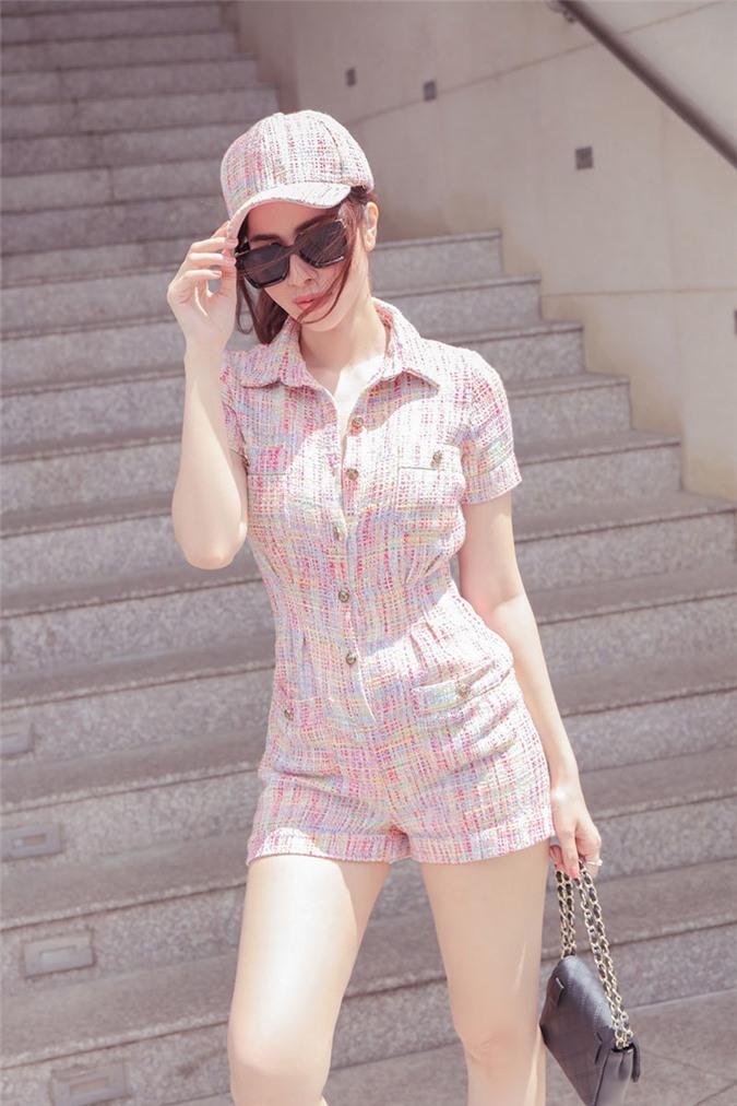 Princess Ngọc Hân xuống phố thanh lịch với trang phục màu pastel - Hình 6