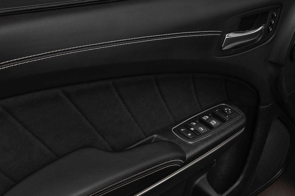 Siêu sedan giá rẻ Dodge Charger Hellcat và Scat Pack ngầu hơn với widebody thân rộng - Hình 4