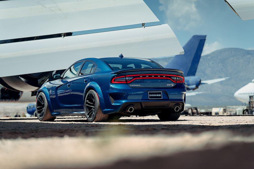 Siêu sedan giá rẻ Dodge Charger Hellcat và Scat Pack ngầu hơn với widebody thân rộng - Hình 6