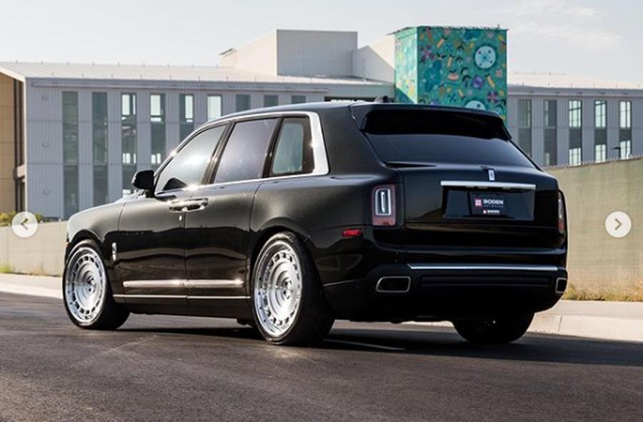 Siêu SUV Rolls-Royce Cullinan kém sắc vì giày ngoại cỡ - Hình 2