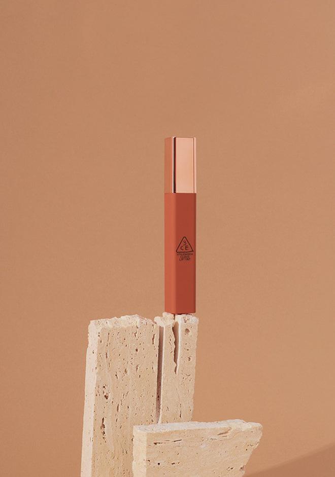 Son mới của 3CE - Cloud Lip Tint: tưởng không đẹp mà đẹp không tưởng, vỏ son xịn sò, giá chưa đến 300k - Hình 4