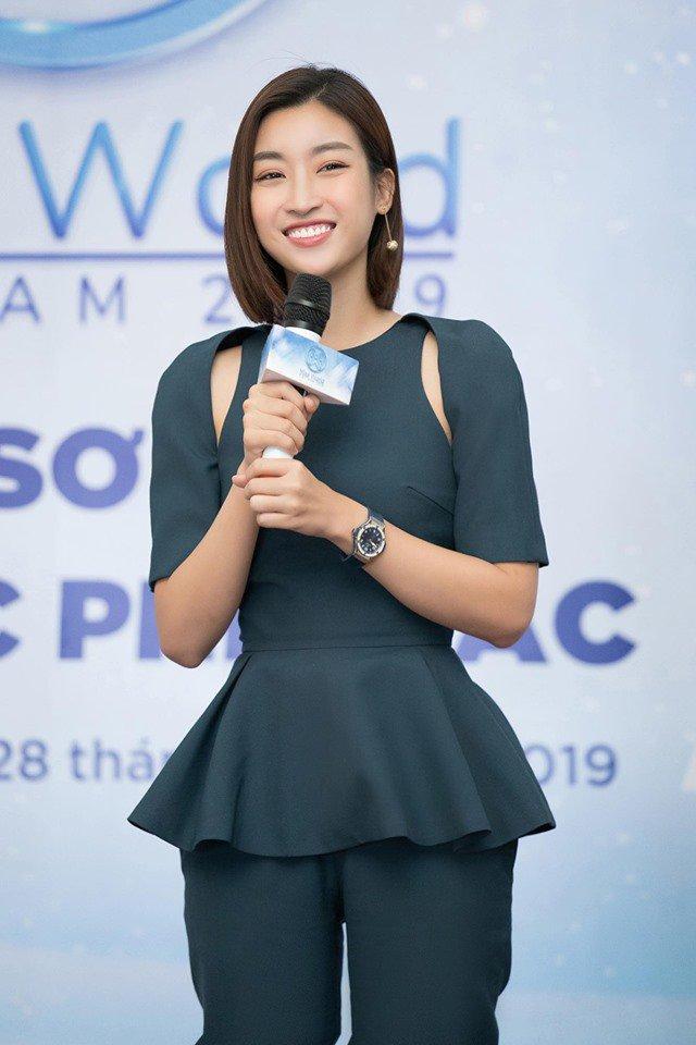 Thoát mác Hoa hậu nghèo nhất Việt Nam, Mỹ Linh và HHen Niê ngày càng chăm diện hàng hiệu - Hình 19