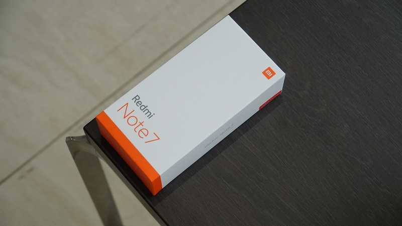 Trên tay nhanh Redmi Note 7 Trắng ánh trăng: Cao cấp, đẹp mắt hơn! - Hình 2