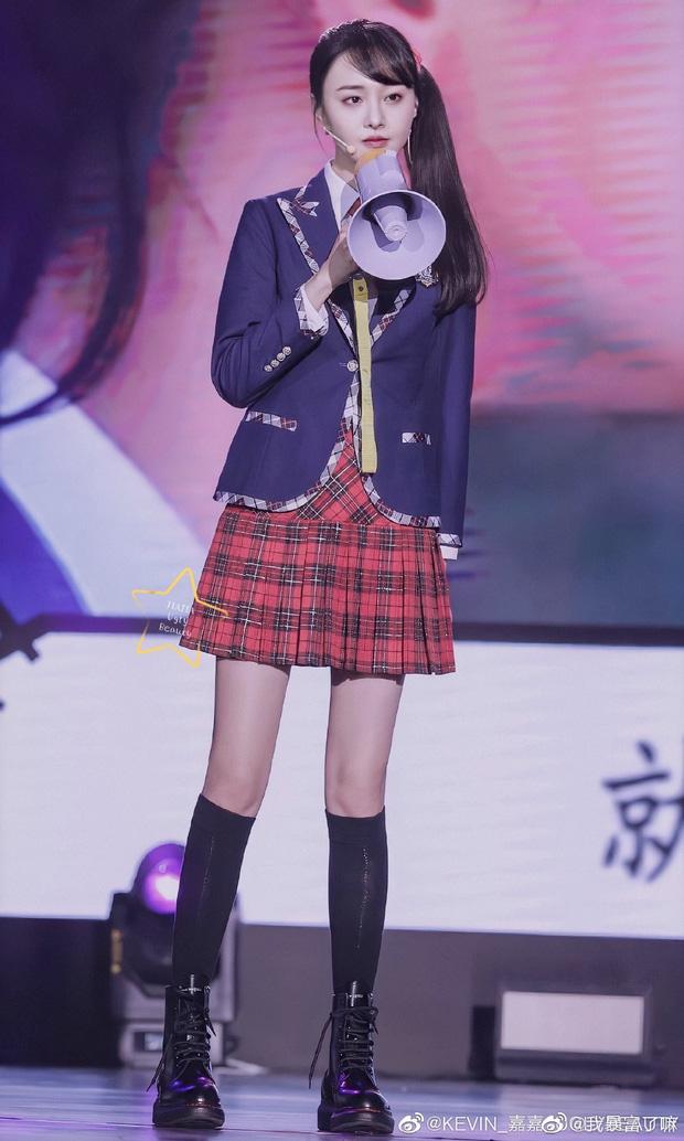 Từng bị chê mặc xấu suốt ngày vì gầy tong teo, giờ Trịnh Sảng nhận mưa lời khen mặc đẹp nhờ tăng cân - Hình 17