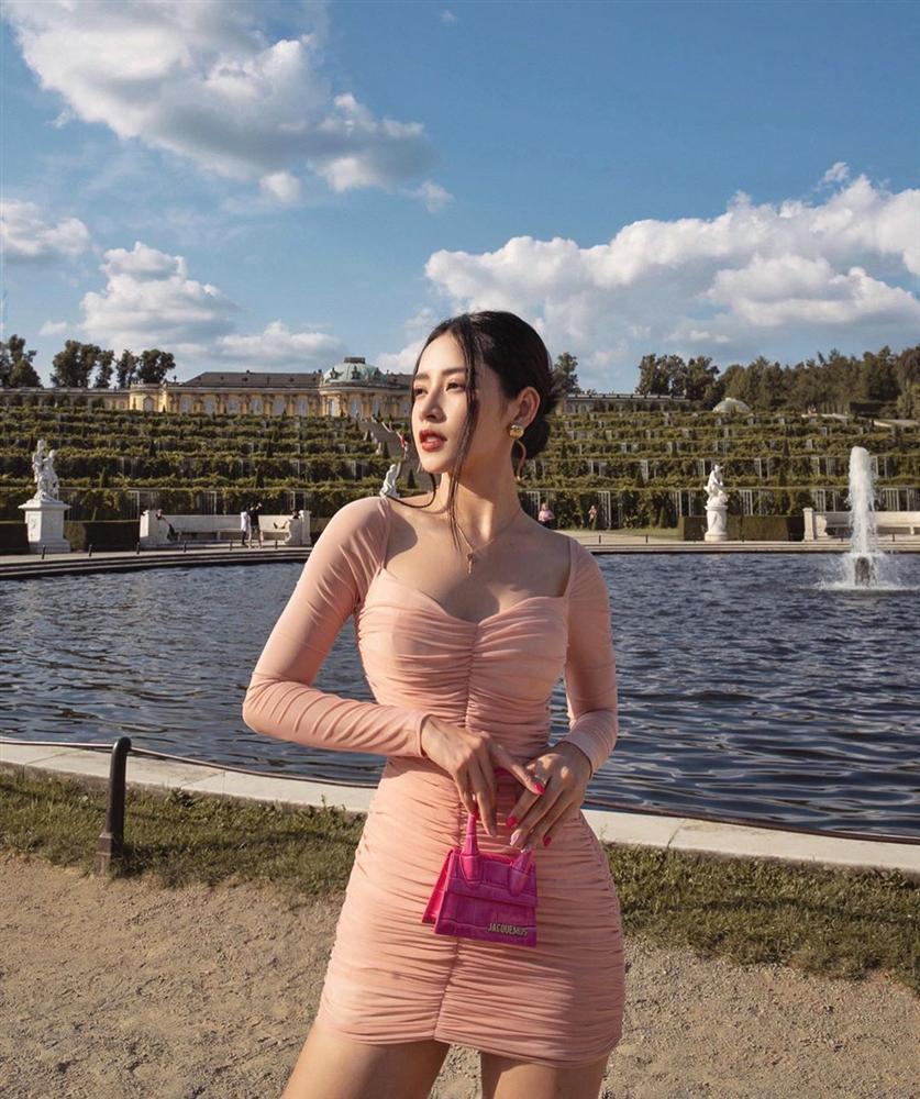 Phạm Hương xách túi 1,5 tỷ dạo phố - Chi Pu khoe sắc vóc lẫn gu thời trang chẳng thua kém idol xứ Hàn - Hình 2