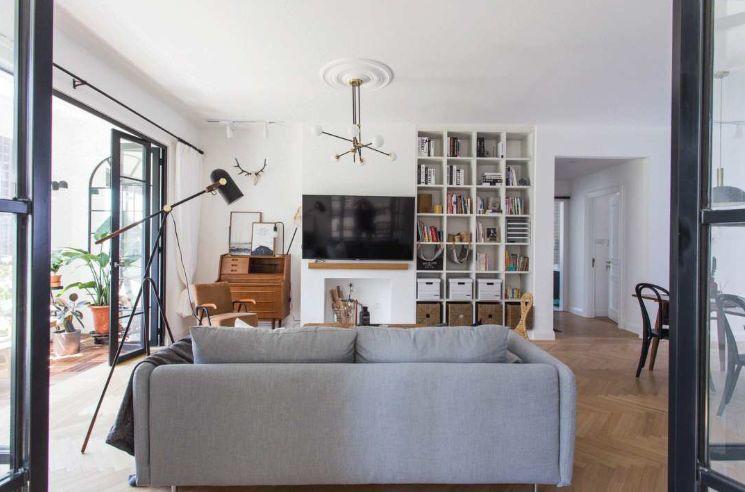 Căn hộ với cách decor giúp góc nào trong nhà cũng đầy nắng, rất đáng tham khảo cho gia đình 3 người - Hình 4