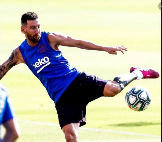 Tin HOT bóng đá sáng 24/8: Lộ thời điểm Messi tái xuất La Liga - Hình 1