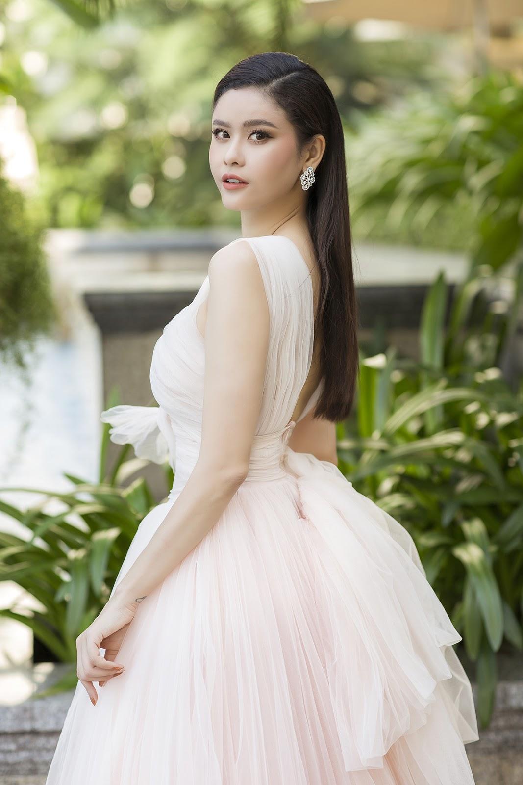 Trương Quỳnh Anh từ chối trả lời khi được hỏi về chuyện riêng tư, gia đình - Hình 12